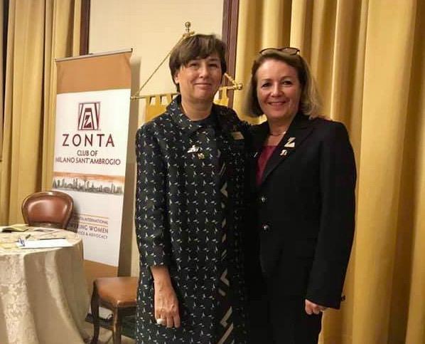 11_la Governor del Distretto 28 Fernanda Gallo, nostra socia, con la Vicegovernor del Distretto 30 Fabienne Moulin, ZC Sion
